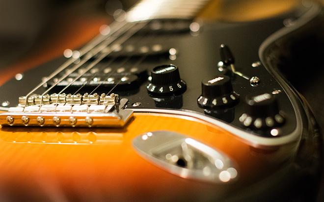 Fender American Standard HSS Stratocaster mit S-1 Switch und supertrigger circuit 2